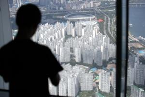 [8·2 부동산대책 1년] '집값 폭등' 잡았지만… 서울 아파트값 더 올라 양극화 부작…