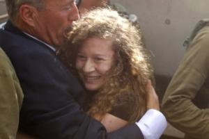 풀려난 팔레스타인 잔다르크…이스라엘과 투쟁 중심에 서나