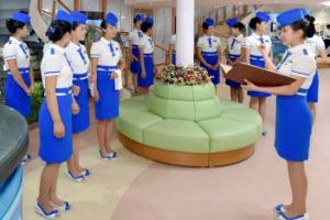 [포토] 북한 '대동강호' 유람선 승무원들 시원한 마린룩