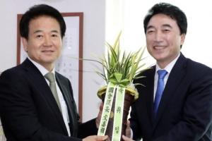 """정동영 """"文의장과 함께 선거제도 개혁 5당 연대 만들겠다"""""""
