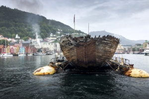 아문센 북극 탐험선 100년 만의 귀향