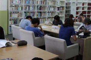 폭염 쉼터 된 도서관, 농촌지역도 북캉스족 급증