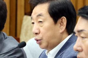 """김성태 """"민주, 특검에 공갈·협박…어느 나라 집권당인가"""""""