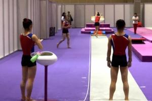[아시안게임] 도마서 우정의 대결…남북 체조 훈련 '화기애애'