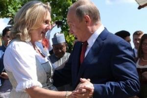 오스트리아 외무장관 결혼식에 깜짝 하객? 푸틴 대통령!