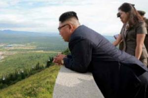 [포토] 김정은, 부인 리설주와 40일 만에 삼지연군 다시 방문