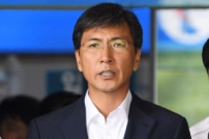 """""""김지은씨 그루밍"""" 전문가 의견 배척한 1심… 2심선 뒤집나"""