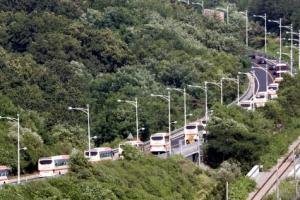 [포토] 금강산으로 향하는 이산가족 버스행렬