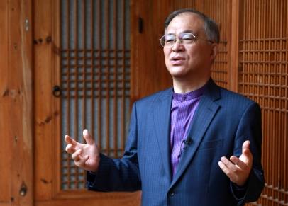 '청소년 지킴이' 강지원 변호사가 4일 오후 12월 대선출마를 공식 선언했다. 강지원 변호사 제공