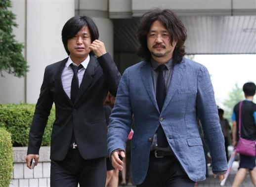 주진우(왼쪽) 시사IN(인) 기자와 김어준 딴지일보 총수. 연합뉴스