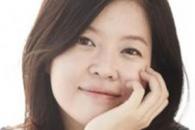 """대통령 3차 담화 본 김여진 """"질서 없고 빠른 퇴진 원합니다"""""""