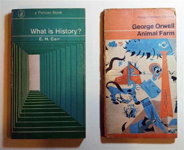 영국 펭귄북스의 표지 디자인은 예술성을 인정받았을 만큼 뛰어난 감각을 자랑한다. 우리나라에도 잘 알려진 '역사란 무엇인가'(E H 카·1970년), '동물농장'(조지 오웰·1968년)의 원서.