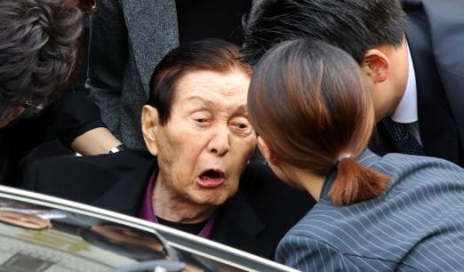 '역정'내는 신격호 총괄회장