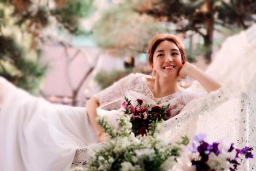 '3월의 신부' S.E.S 바다 웨딩 화보 공개