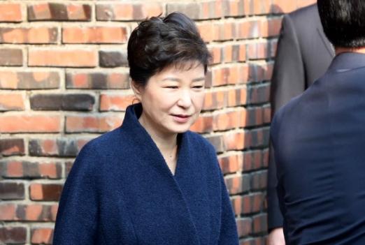 [박근혜 소환] 자택 떠나는 박 전 대통령