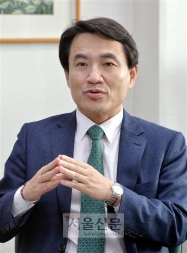김진태 자유한국당 의원. 이종원 선임기자 jongwon@seoul.co.kr