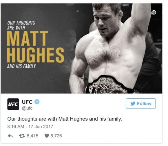 열차 충돌 사고로 잃은 의식을 이틀 째인 18일(현지시간)까지 차리지 못하고 있는 맷 휴즈. UFC 공식 트위터 갭처