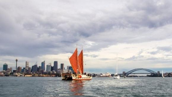 2015년 호주 시드니를 통과하는 모습. OIWI TV 제공