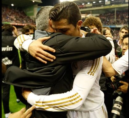 이렇듯 애틋했던 조제 모리뉴 맨체스터 유나이티드 감독과 크리스티아누 호날두는 최근 몇년 동안 극히 냉랭한 사이가 됐다. AFP 자료사진
