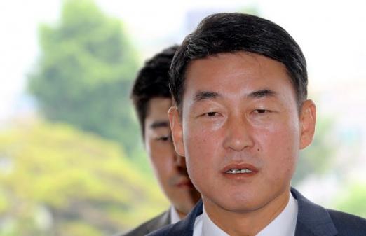[서울신문] 검찰, 정치자금법 위반 황영철 의원 소환 조사