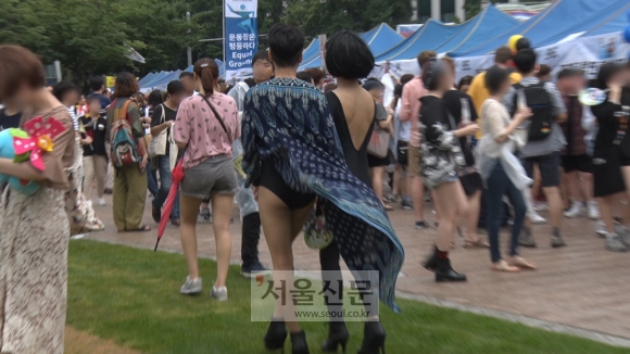 퀴어축제 참가자들. 김형우 기자 hwkim@seoul.co.kr