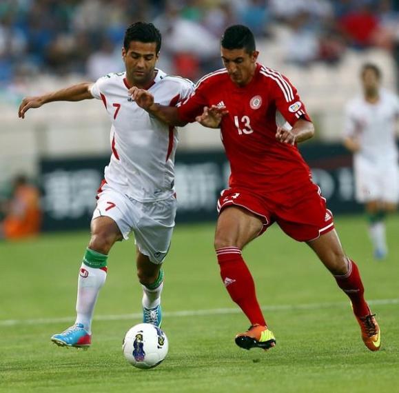 마수드 쇼자에이(왼쪽)