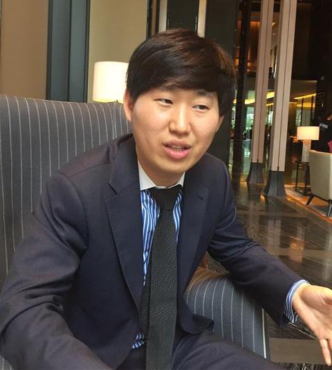 신홍규 신갤러리 대표