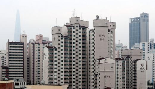 서울 시내의 아파트 단지 모습.  연합뉴스