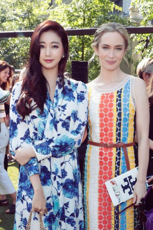 '뉴욕 패션위크' 김사랑, 에밀리 블런트와 만남