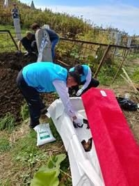 지난 10~13일 러시아 사할린섬에서 한국인 강제동원 희생자 유골 12위를 발굴하고 있다. 행정안전부 제공