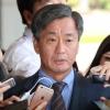 '댓글공작' 이종명 전 국정원 3차장 검찰 출석