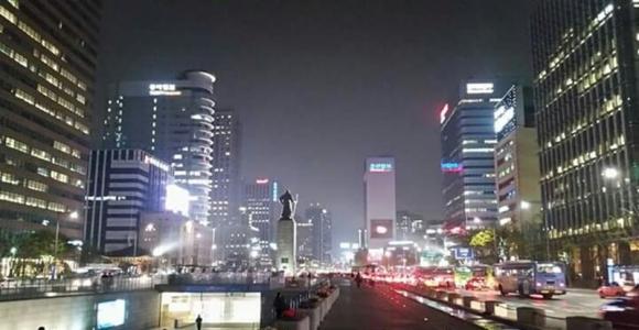 잠들지 못하는 서울의 밤. 서울신문 DB