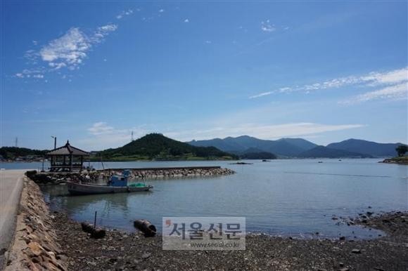 조선시대 제주를 오가는 선박의 출입통제소 역할을 했던 해남 이진포. 지금은 한적한 어촌 포구가 됐다.