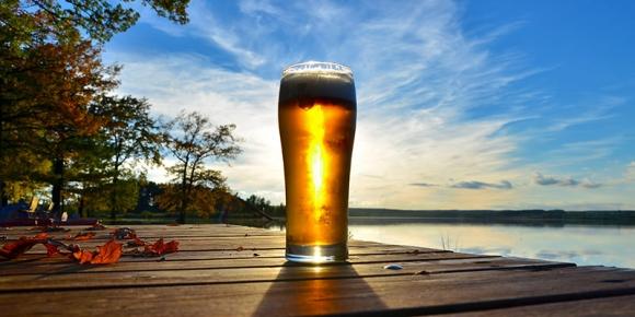 깊어가는 가을, 맥주를 마셔야 하는 이유는 다양하고 신선한 가을 맥주들이 우리를 기다리고 있기 때문이다. vinepair.com 캡처