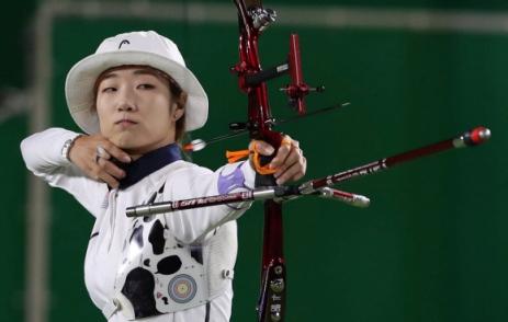 대만민국체육상 받는 최미선 2016 리우올림픽 양궁 금메달리스트 최미선이 체육인 최고 권위의 상인 대한민국체육상 경기상을 받는다.
