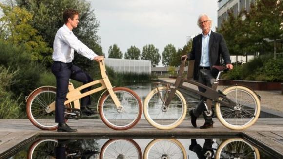 Piet Brandjes(오른쪽)과 Bough Bikes의 공동 창업자 밥.