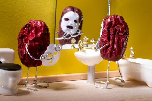 한국산 대추를 사용해 만든 테리 보더의 작품 '매끄러운 피부관리'
