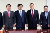 한국당 '朴전대통령 절연' 초읽기…보수야권 재편 기…