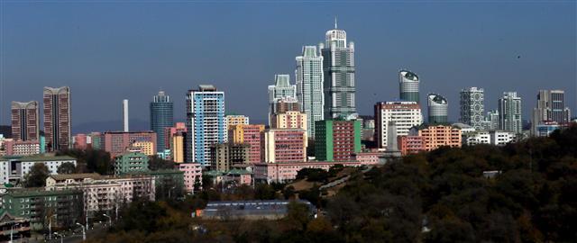 [평양은 지금]고층 아파트 즐비한 여명거리