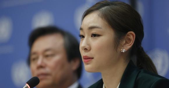 미국 뉴욕의 유엔본부에서 열린 제72차 유엔총회에 '특별연사'로 나서 평창동계올림픽의 성공 개최를 위한 올림픽 휴전결의안 채택 필요성에 대해 연설했다.  AP 연합뉴스