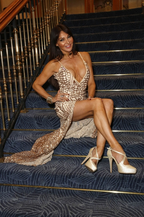 방송인 겸 모델 리지 쿤디(Lizzie Cundy)가 13일(현지시간) 영국 런던 힐튼호텔에서 열린 '노도프 로빈스 자선 복싱 대회'에 참석했다. TOPIC/Splash News