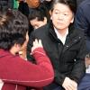 [서울포토] 포항 지진대피소 방문한 안철수 대표