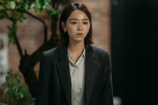 KBS 2TV 주말드라마 '황금빛 내 인생'에서 첫 주연을 맡은 신혜선은 막장 요소에도 불구하고 현실감 넘치는 연기로 시청자들의 공감을 이끌어 냈다.  KBS2 제공