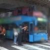 1층버스로 착각?…서울 당산역 고가도로에 또 2층버스 충돌 21명 부상