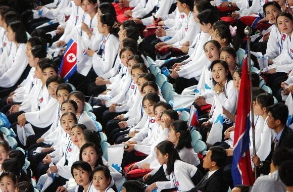 미녀응원단 2003 대구 하계유니버시아드대회 폐회식 당시 미녀응원단 모습