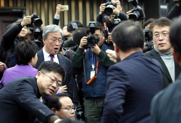 고성 오가는 국민의당 당무위원회의