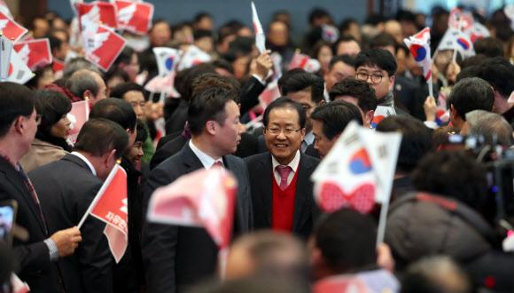 경남에서 환대받는 홍준표