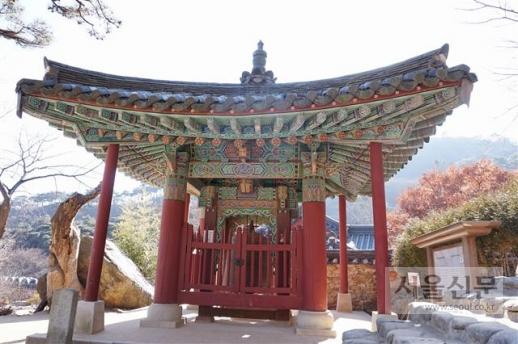 인천 강화군 전등사 종각.