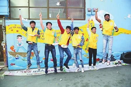 외국인 근로자와 함께하는 벽화봉사 신천지예수교회 제공