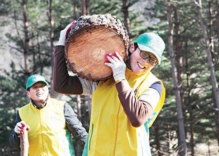 땔감 나무 지원봉사 신천지예수교회 제공
